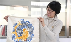 Pic story of Beijing embroidery artist