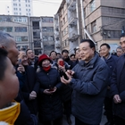 Chinese premier urges efforts to improve people's livelihood