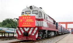 China's railway cargo transport rises in March