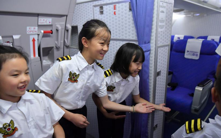 Children aim to fly high in aviation summer camp
