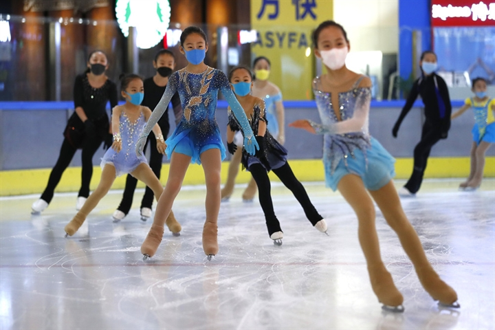 Chinese parents spend big on kids' sports