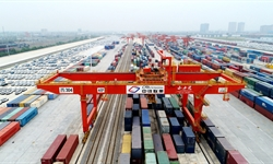 Chinese goods trains deliver succor to Europe