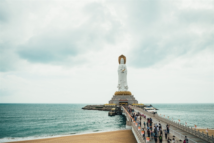 Hainan sees more inbound tourists after easing visa-free access