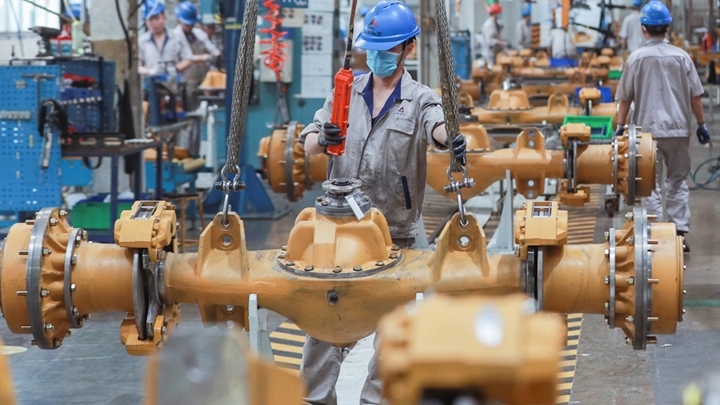 China's industrial profits up 10.1 pct in September