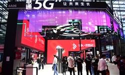 China Mobile builds over 385,000 5G base stations