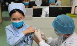 COVID-19 vaccination underway in Nanjing, Jiangsu