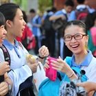 High teacher salaries draw thousands to apply in Shenzhen district