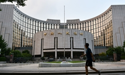 China's central bank issues 30b yuan bills in Hong Kong