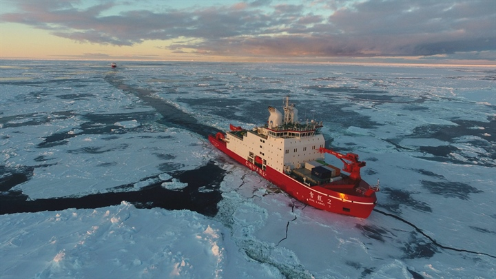 China's polar icebreakers Xuelong, Xuelong 2 sail in Antarctica water