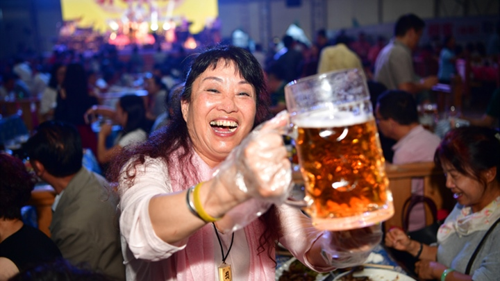Bottoms up! Beer festival kicks off in Harbin